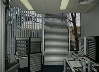 external venetian blinds texas, external venetian louvres blinds, external aluminium louvres, external aluminium blinds, external retractable blinds, external venetian blinds projects, aluminium venetian blinds, external blinds, external venetian blinds, external venetian blinds showroom, external louvres, external venetian blinds austin