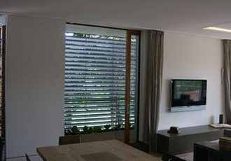 external blinds, external aluminium louvres, external window louvres, external louvres, external retractable blinds, aluminium venetian blinds